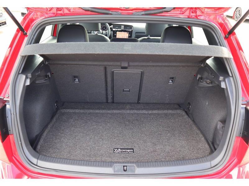Volkswagen Golf R 17
