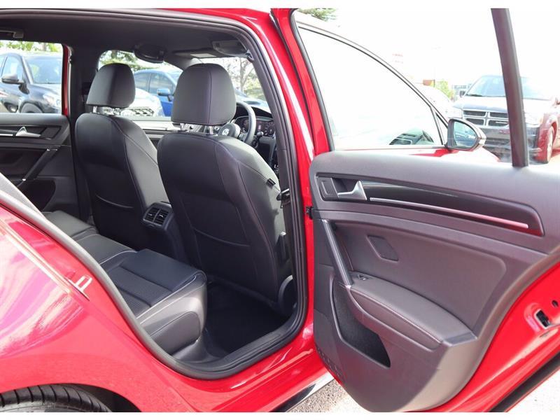 Volkswagen Golf R 18