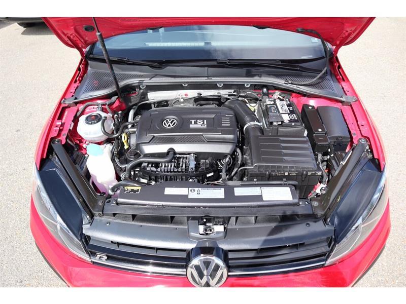 Volkswagen Golf R 33