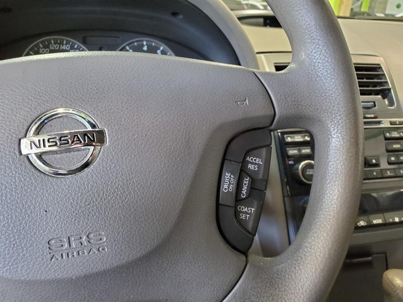 Nissan 810 15