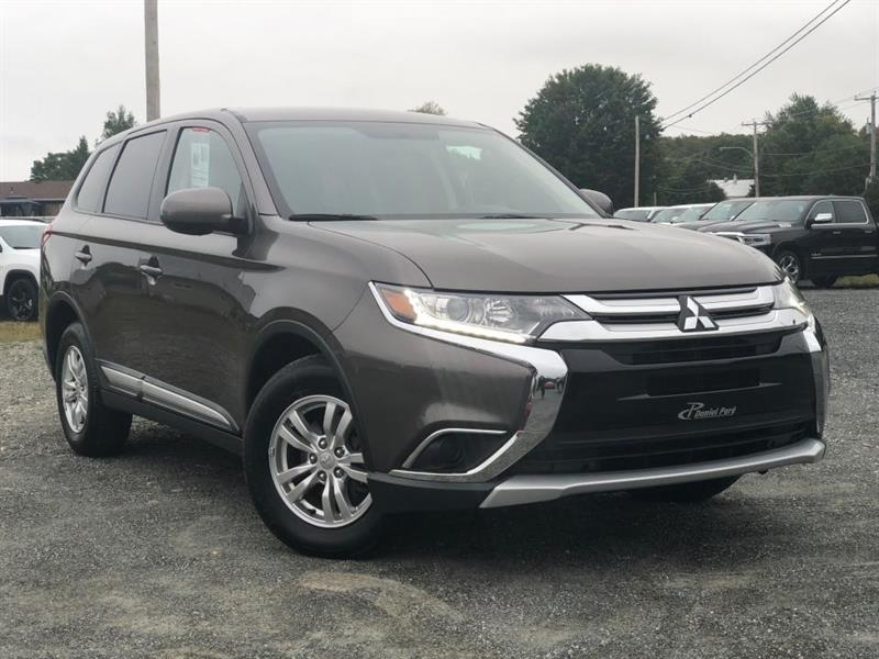 2018 Mitsubishi  Outlander ES AWD BLUETOOTH MAGS AIR CLIM