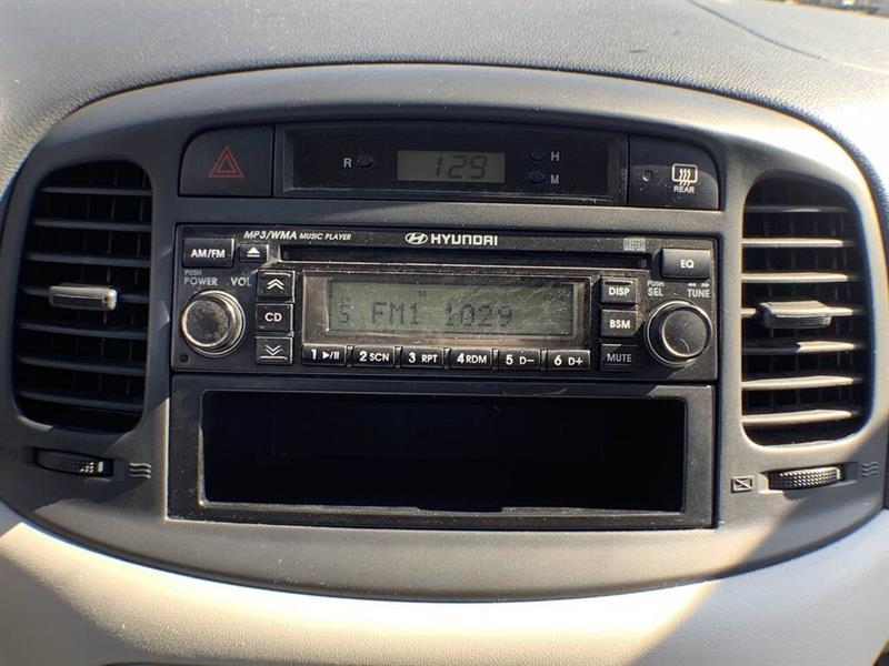 Hyundai Accent 24
