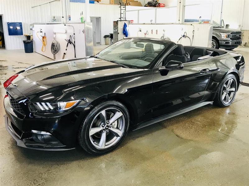 2017 Ford  Mustang Décapotable  BAS KILOMÉTRAGE B