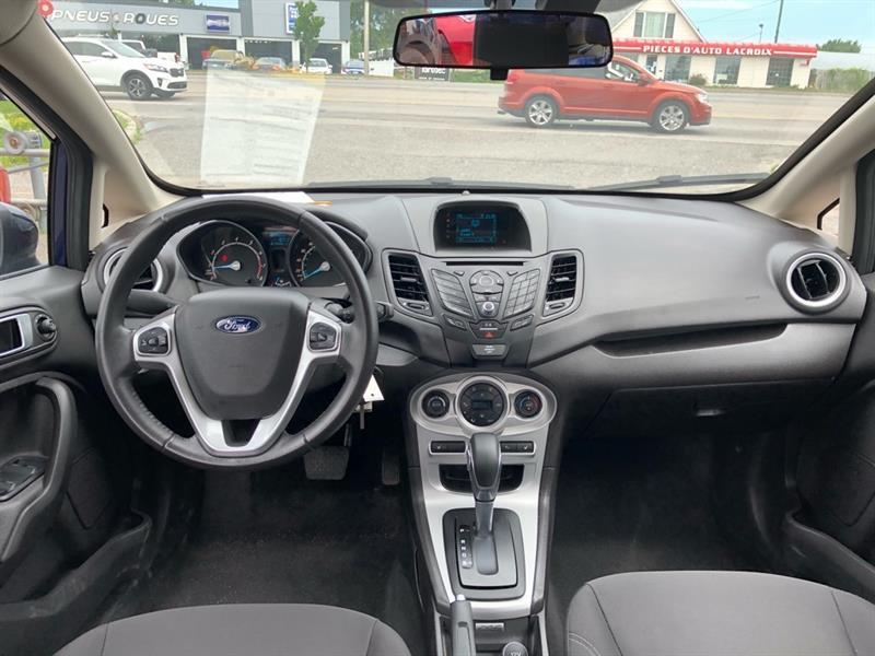 Ford Fiesta Sedan 7