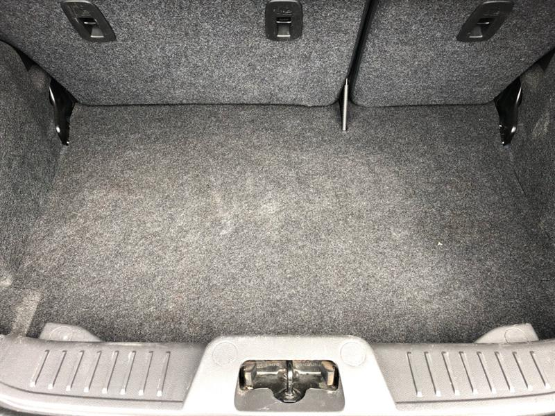 Ford Fiesta Sedan 11