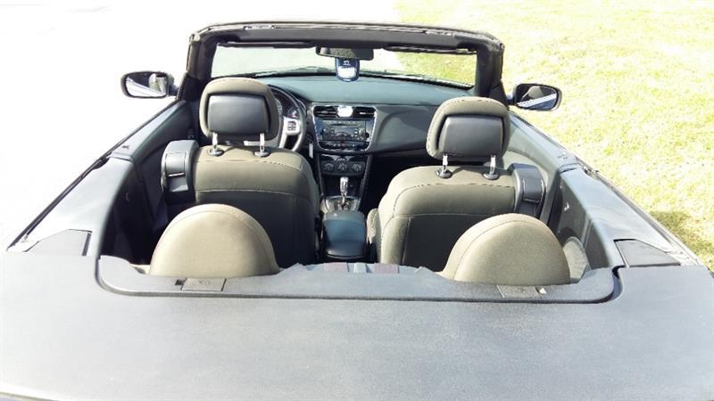 Chrysler 200 2