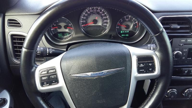 Chrysler 200 21