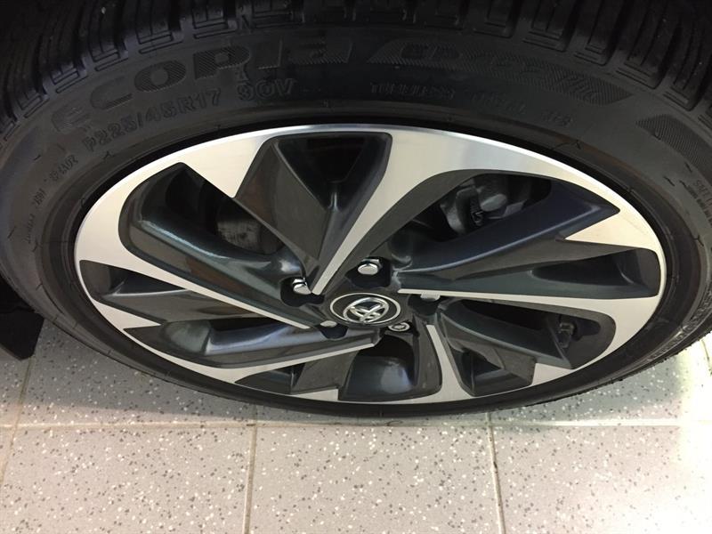Toyota Corolla iM 16