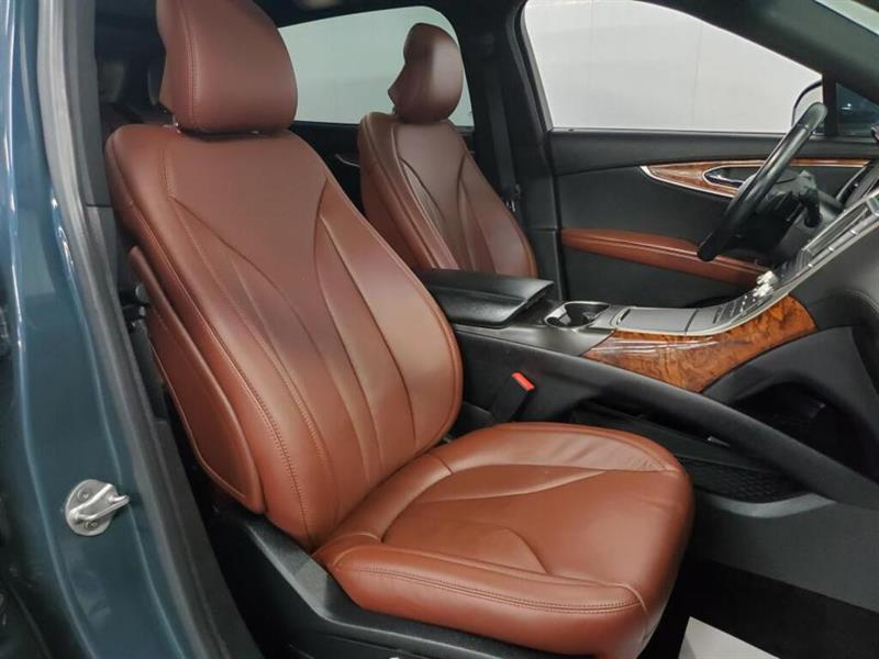 Lincoln MKX 12