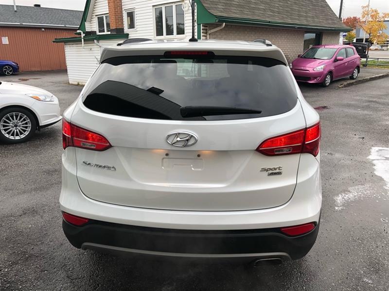 Hyundai Santa Fe Sport 4