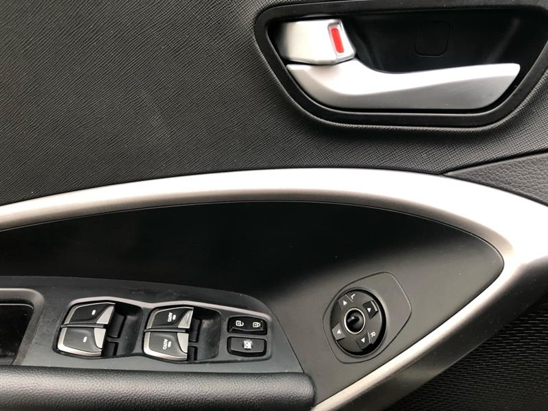 Hyundai Santa Fe Sport 9