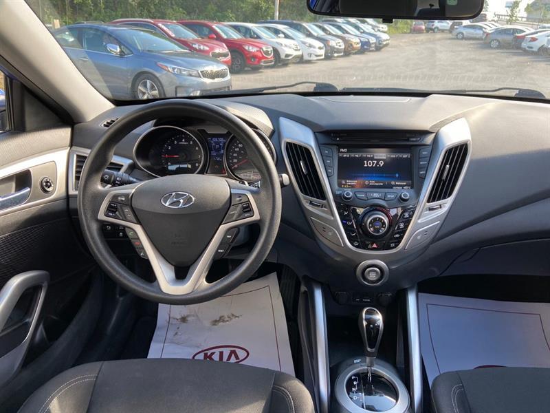 Hyundai Veloster 11