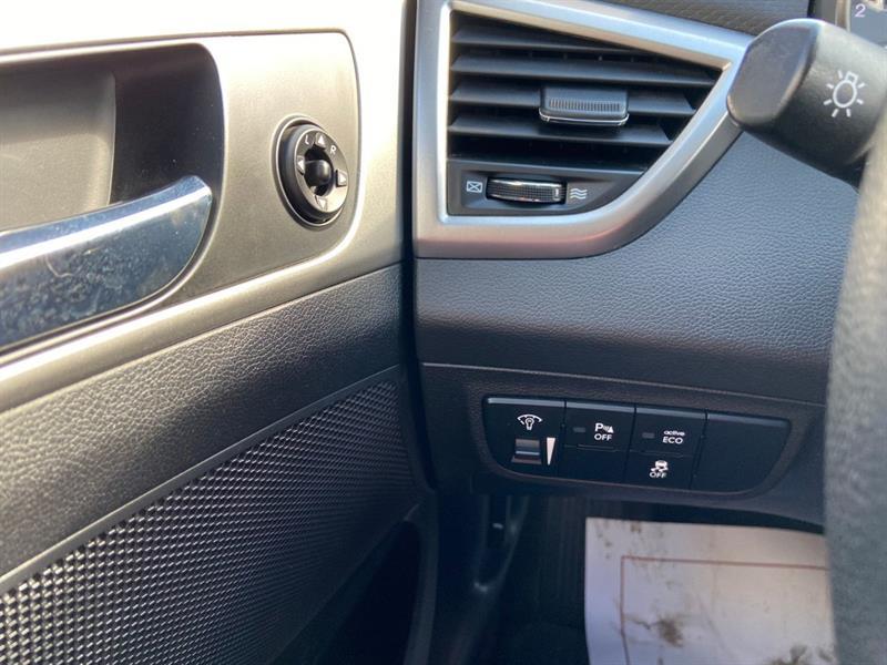 Hyundai Veloster 15