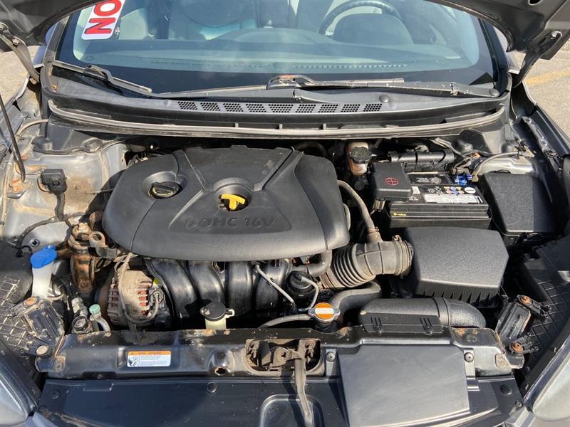 Hyundai Elantra 23