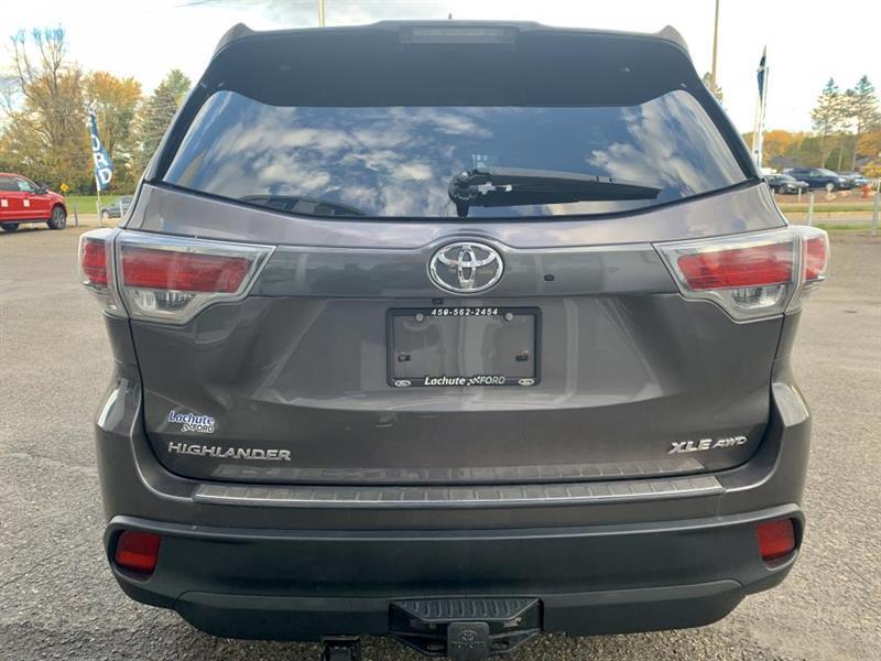 Toyota Highlander 6