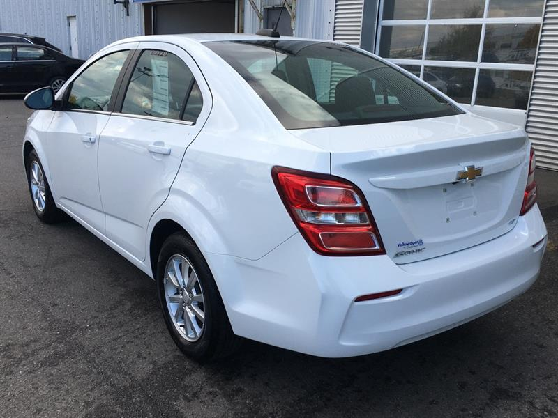 Chevrolet Sonic 3