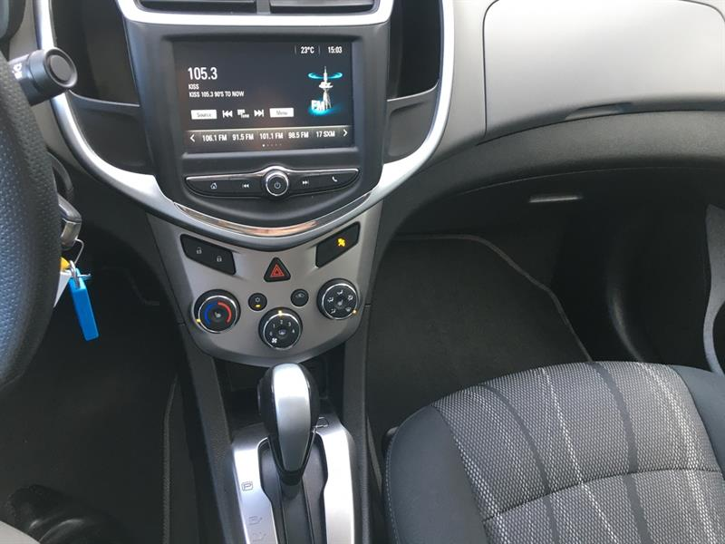 Chevrolet Sonic 14