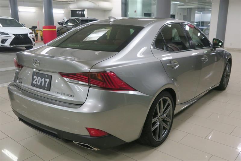Lexus IS 300 5