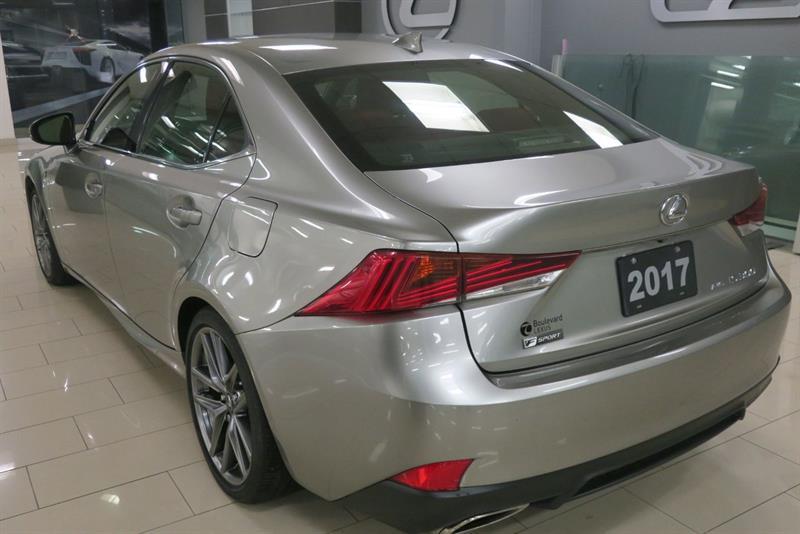 Lexus IS 300 7