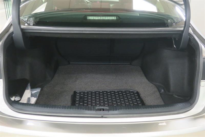 Lexus IS 300 11