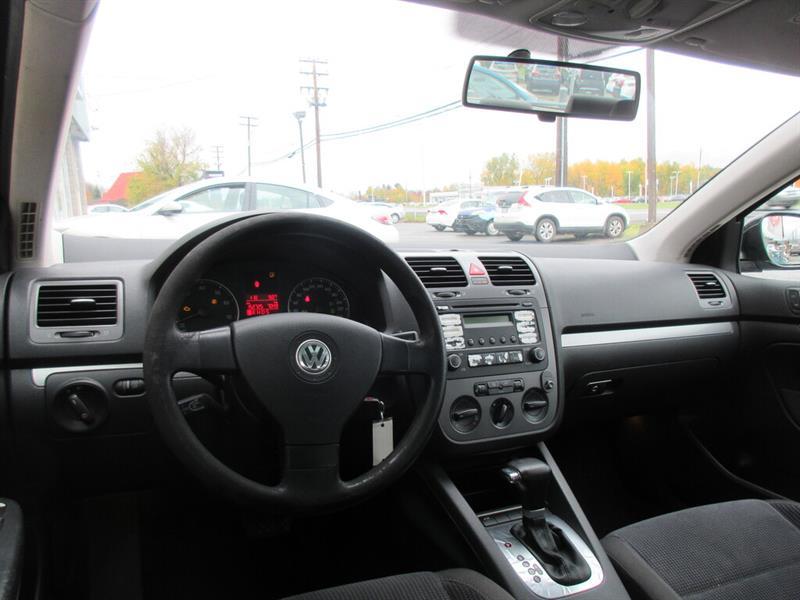 Volkswagen Jetta Sedan 7