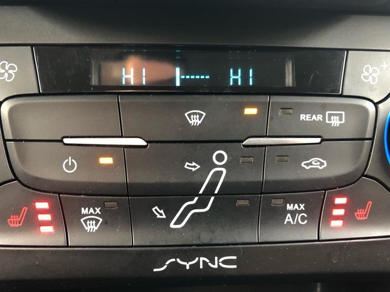 Ford Focus Sedan 17