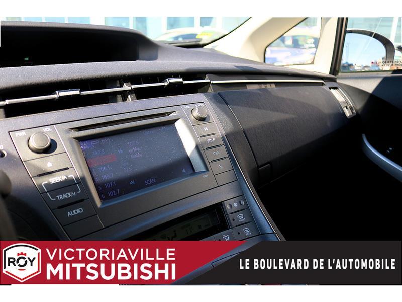 toyota Prius 2014 - 12