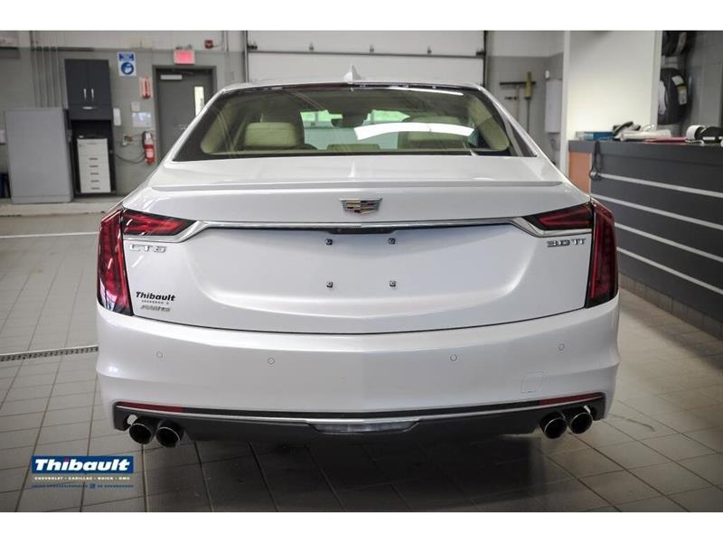 Cadillac CT6 8