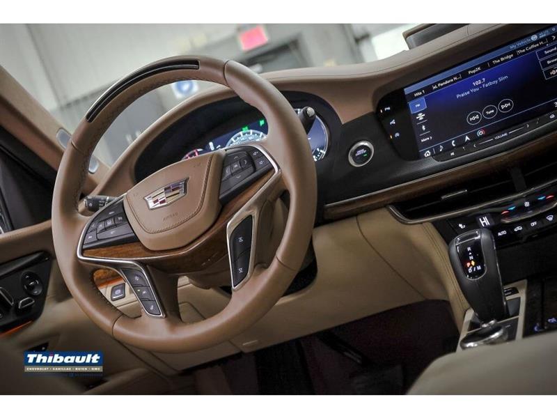 Cadillac CT6 26