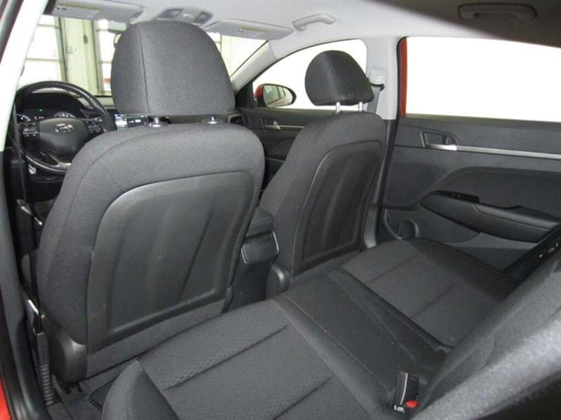 Hyundai Elantra 16