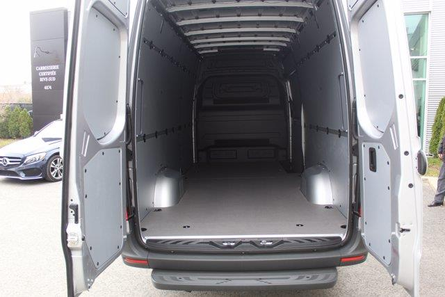 Mercedes-Benz Sprinter Cargo Van 6