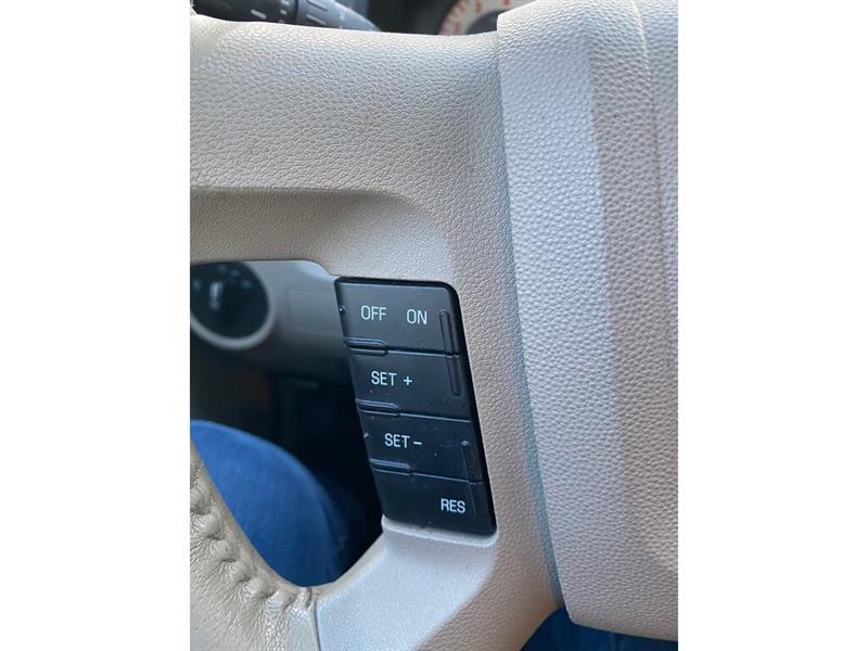 Mazda Tribute 14