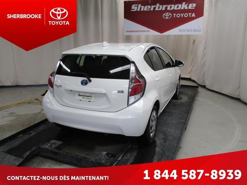 Toyota Prius C 5