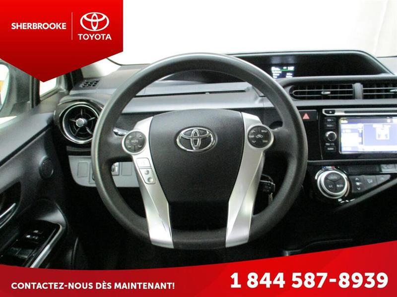 Toyota Prius C 16