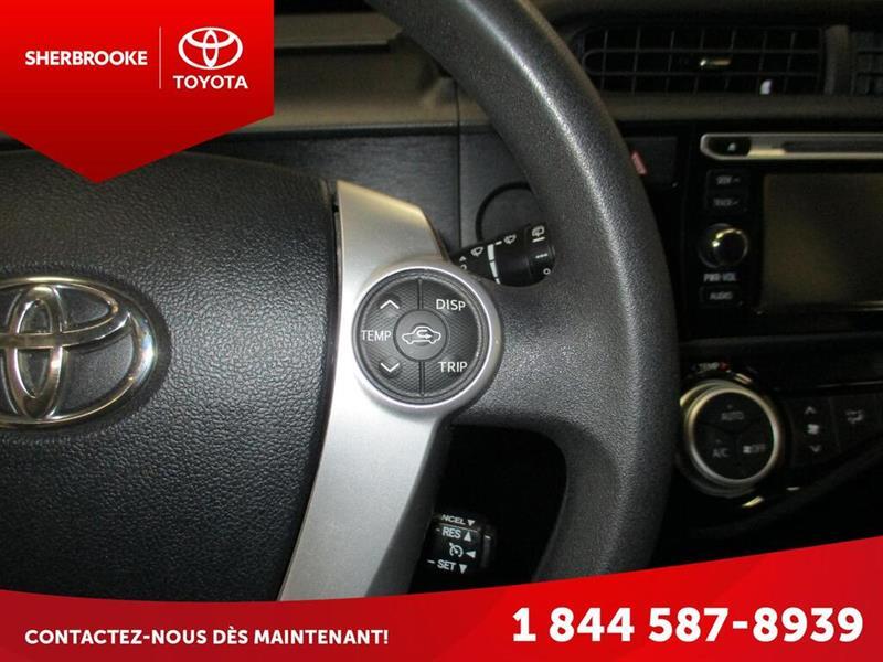 Toyota Prius C 19