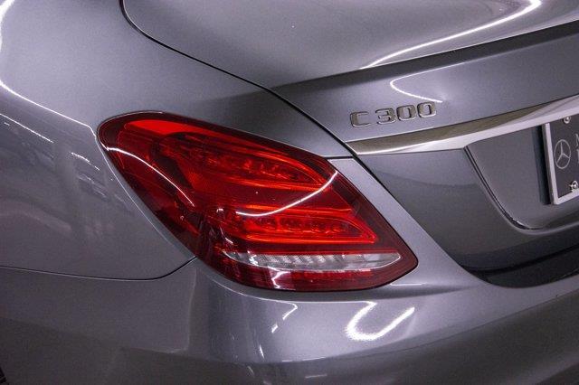Mercedes-Benz C-Class 28