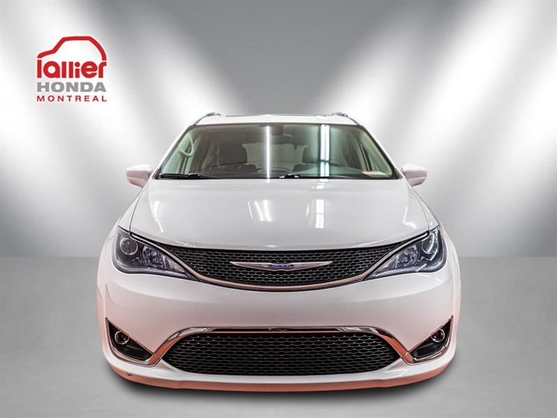 Chrysler Pacifica 10