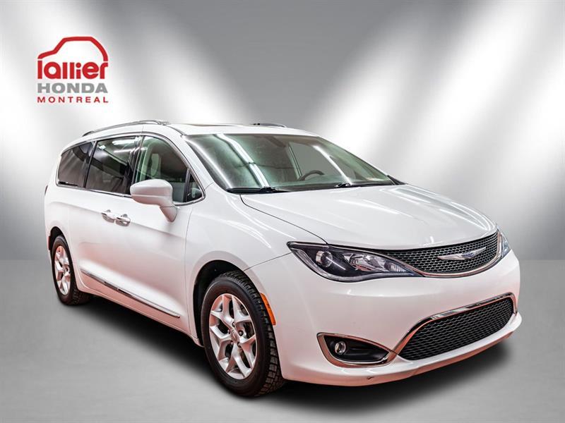 Chrysler Pacifica 21