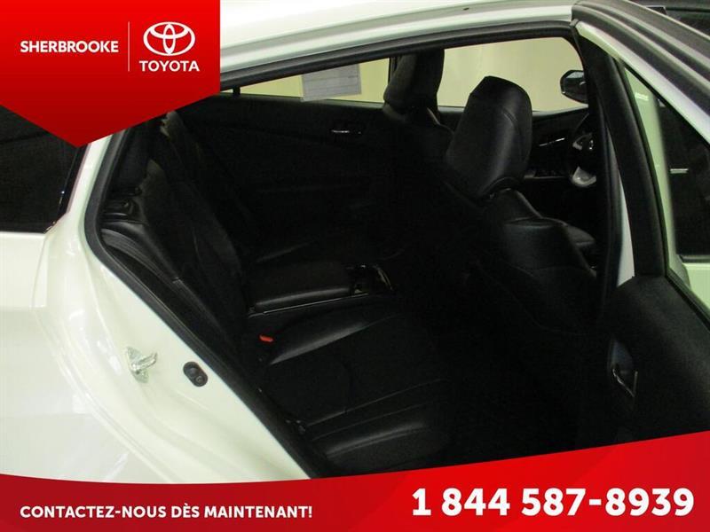 Toyota Prius Prime 13