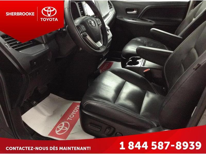 Toyota Sienna 8