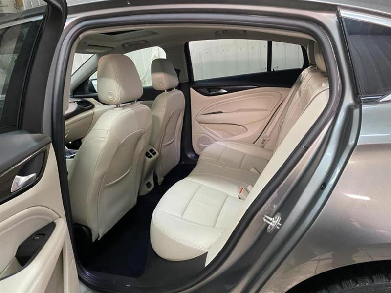 Buick Regal 8