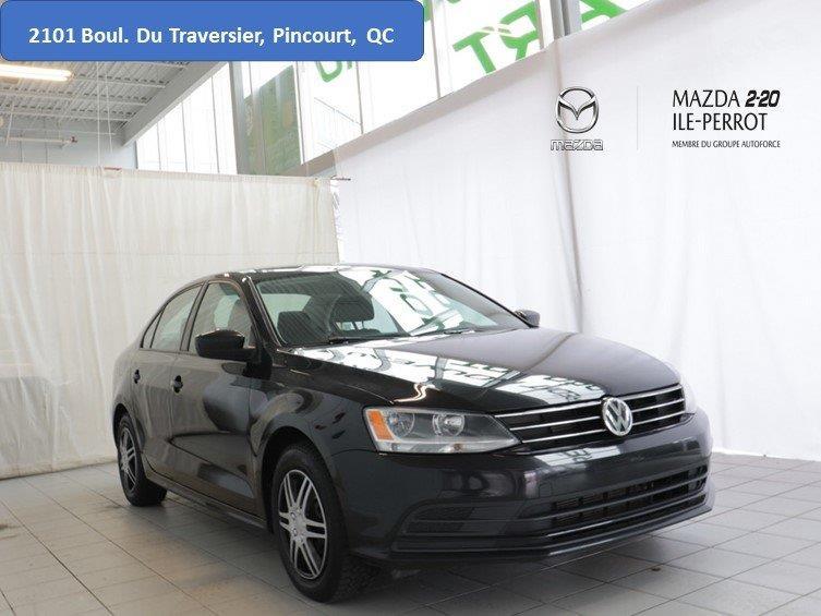 Volkswagen Jetta Sedan 1