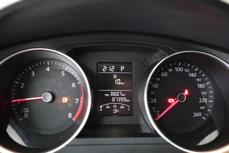 Volkswagen Jetta Sedan 16