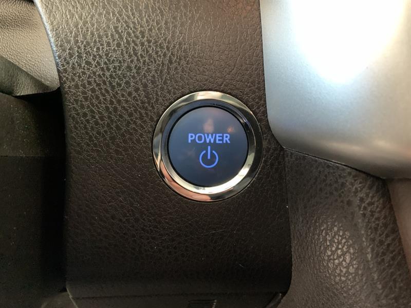 Toyota Highlander Hybrid 18
