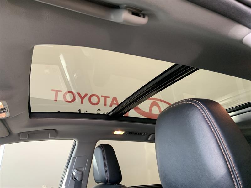 Toyota Highlander Hybrid 22