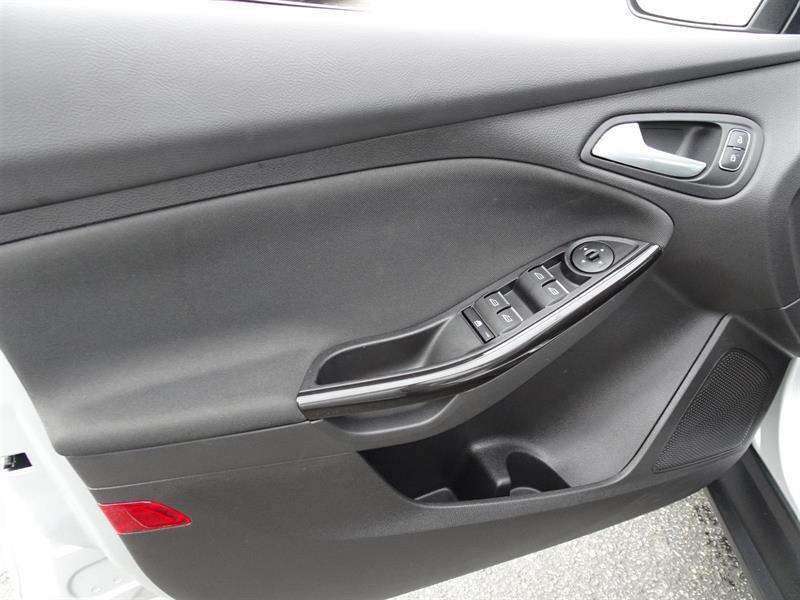 Ford Focus Hatchback 9