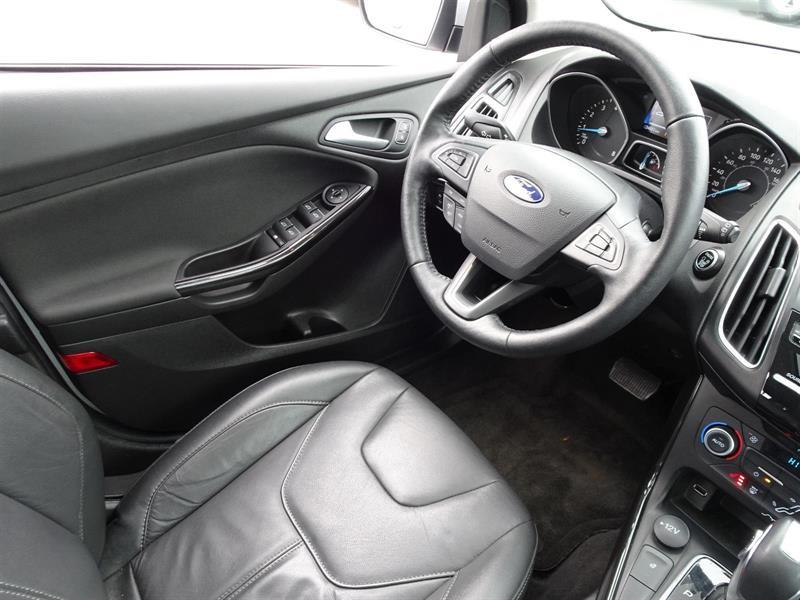 Ford Focus Hatchback 13