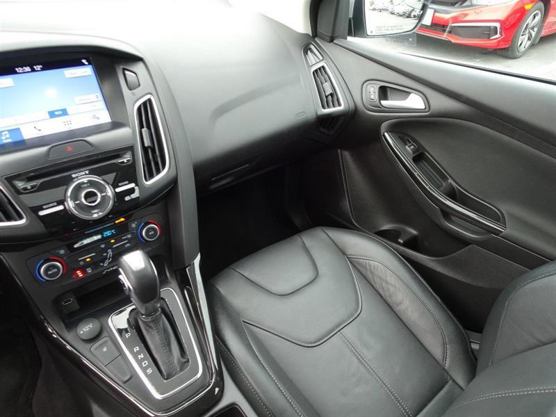Ford Focus Hatchback 15