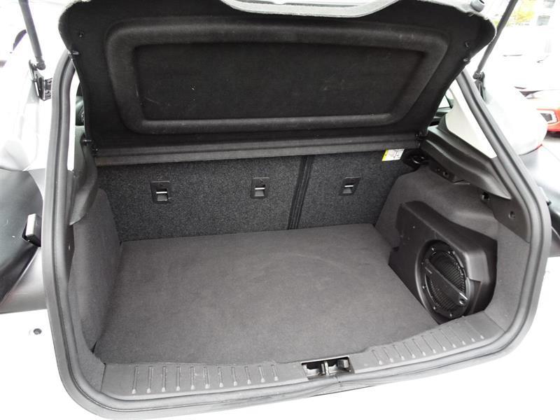 Ford Focus Hatchback 20