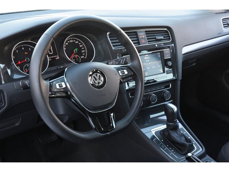Volkswagen Golf 21